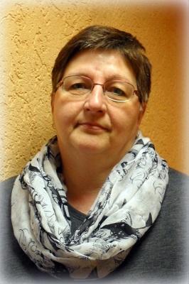 Irena Schaefer, Sekretärin