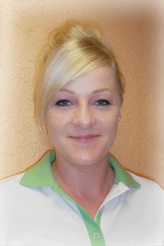 Yvonne Naie, Hauswirtschaftskraft
